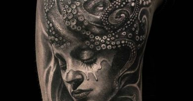 Alkotó (Artist) Mumia